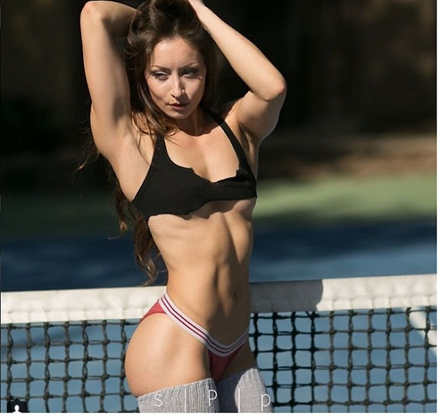 Hot girls Stephanie Buckland sexy strong body