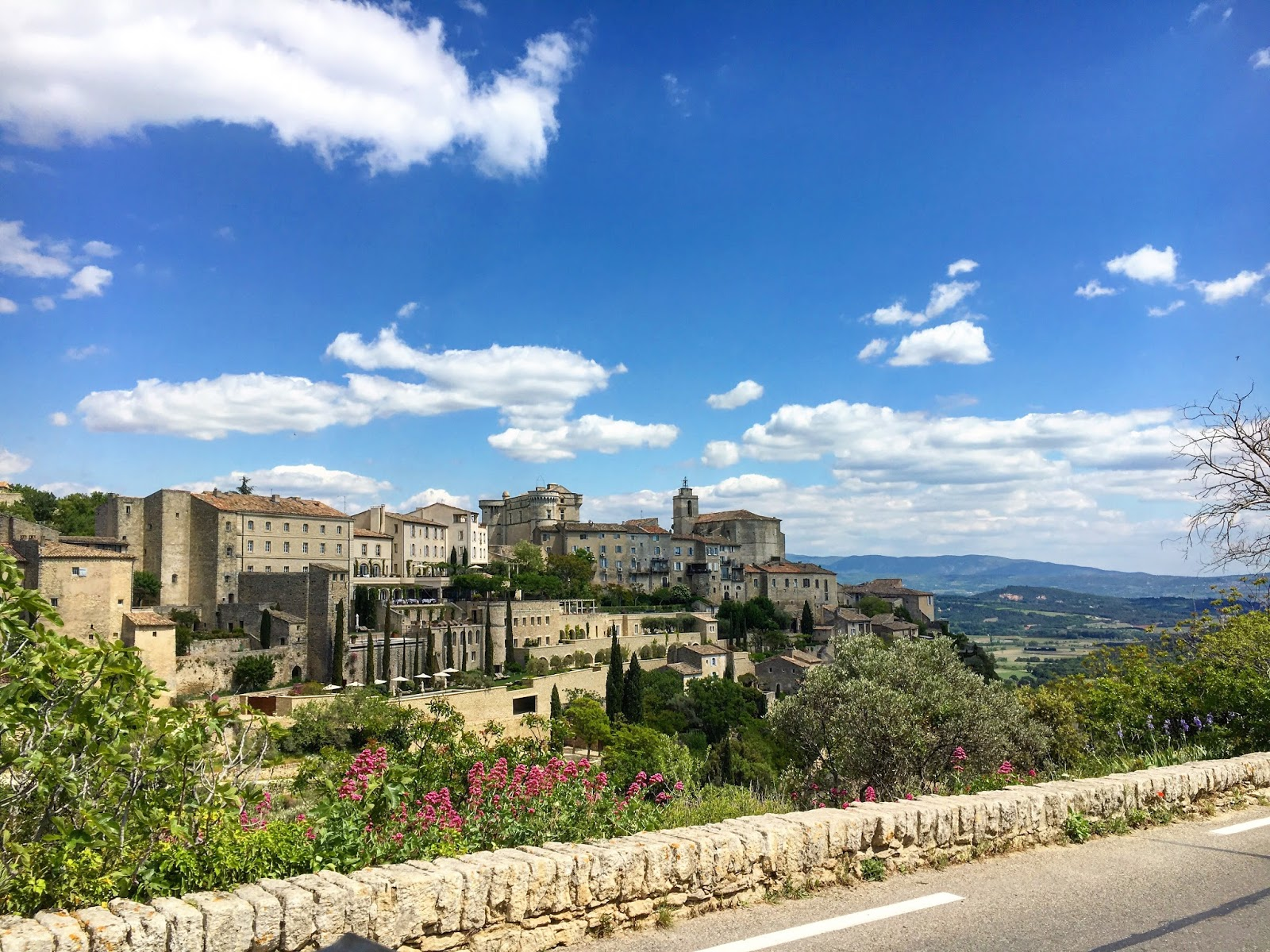 Gordes provence south of france travel adventure for Travel south of france