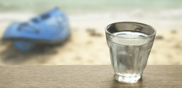 agua del mar contra el estreñimiento
