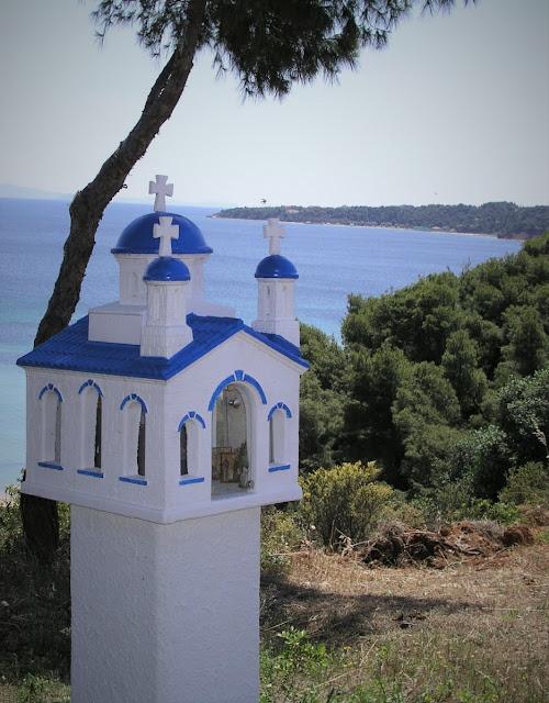 http://potideagreece.blogspot.com/