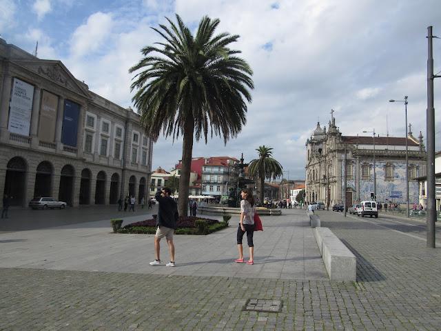 Praça de Gomes Teixeira, o que ver em Porto, Portugal