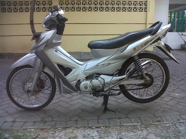 Modifikasi Motor Honda Revo