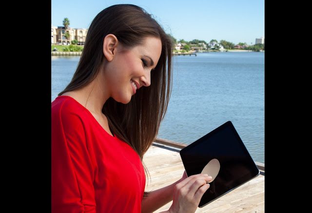 4 Cara Membersihkan Layar Laptop Menggunakan Benda Rumah Tangga