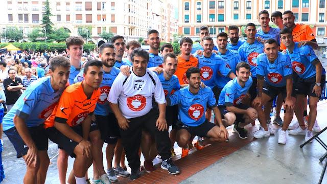 El Barakaldo CF, en la presentación del equipo para la temporada 2018/2019