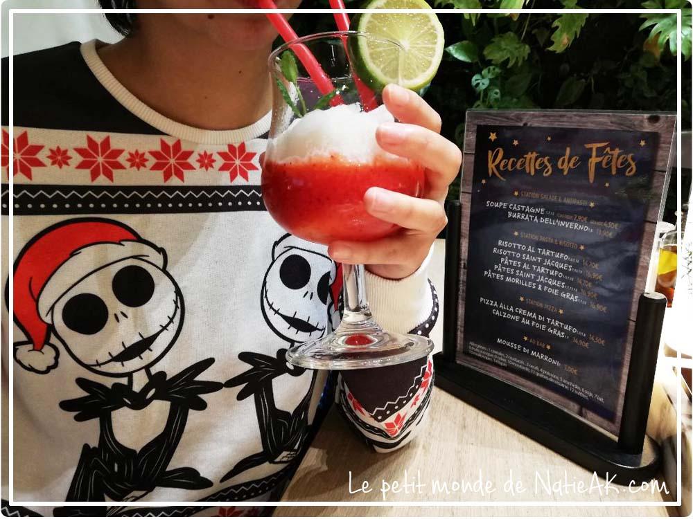 cocktail sans alcool  Virgin frozen daiquiri fruits rouges