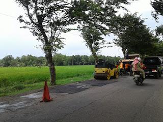 Jalan Menuju Rumah Sejarah Soekarno Rusak Parah