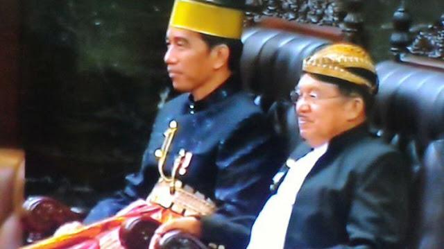 Jokowi, Songkok Recca