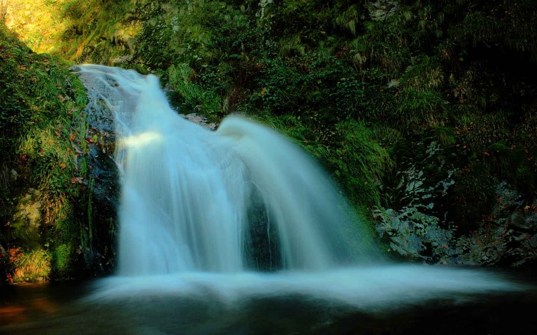 free waterfall wallpapers - photo #21