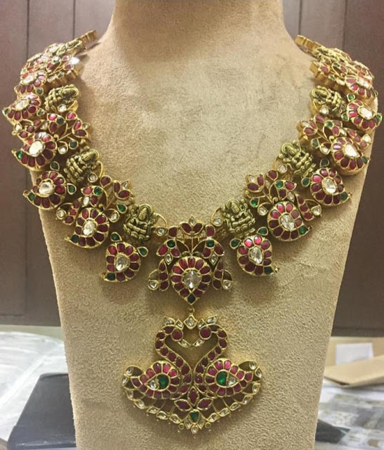 Lakshmi Necklaces with Red kundan