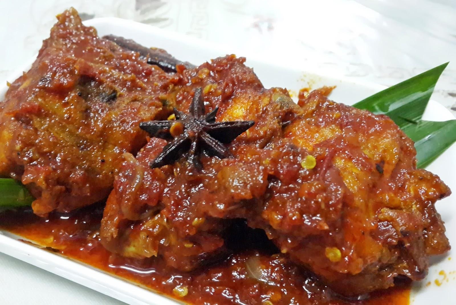 Kitchen Mak Tok (Sajian Dapur Bonda): AYAM MASAK MERAH MAMAK PENANG, ADA KELAINAN CITARASANYA...