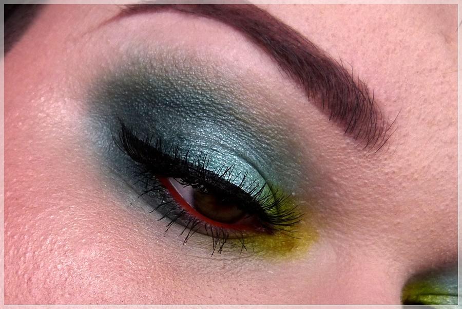 exotisches grünes Augenmakeup