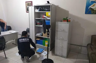 http://www.vnoticia.com.br/noticia/3717-secretario-de-assistencia-social-de-presidente-kennedy-e-preso-na-operacao-rubi