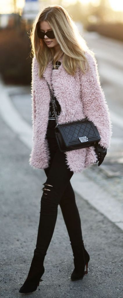 Trending Winter Women's Street Style Outfit