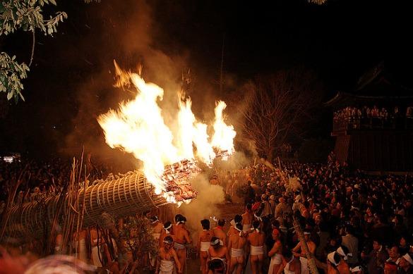 Festival ritual telanjang shinto
