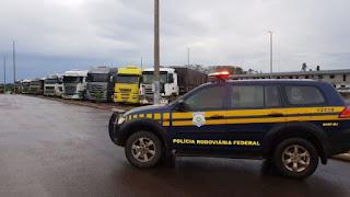 BR-163: 8 mil caminhões estão parados em bloqueio em Mato Grosso