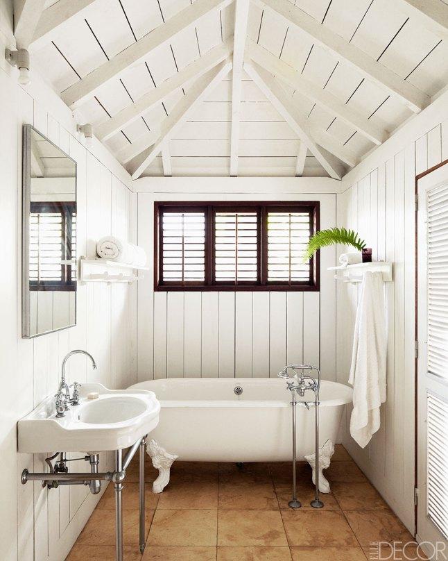 baño-vigas-madera-blancas