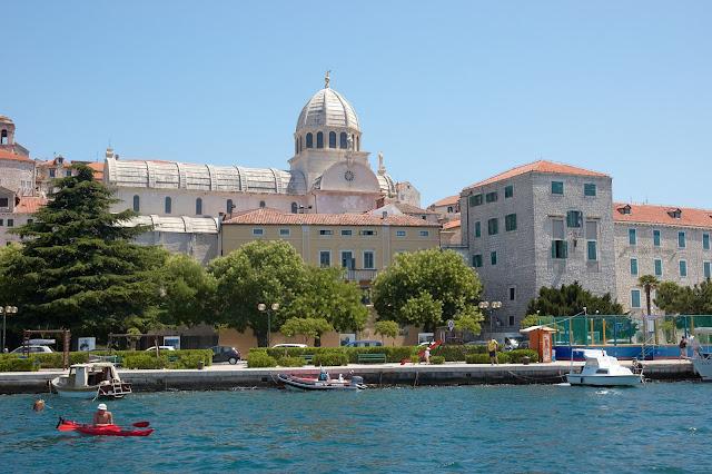 Katedra św.Jakuba widok na miasto Sibenik