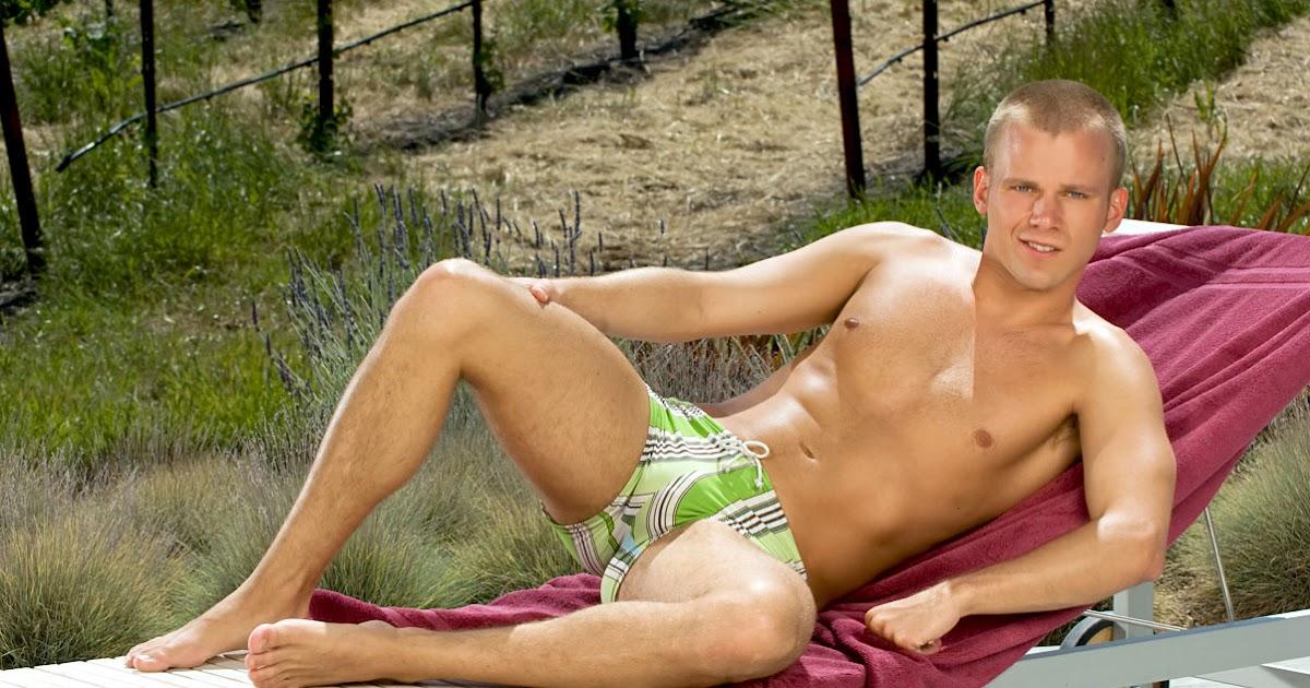 Nudismo Gay 68