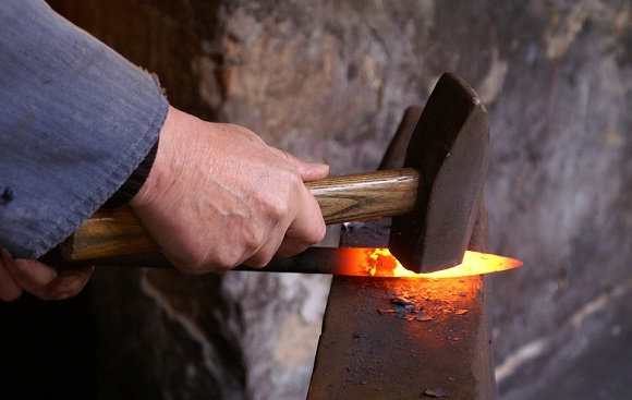 battere-ferro-caldo.jpg