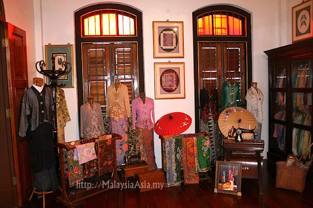 Peranakan Clothes