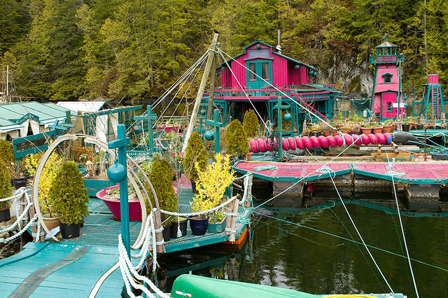 20 Tahun Bina Pulau Terapung Impian Mereka