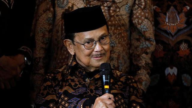 BJ Habibie Tanggapi soal Sobekan Alquran di Jl Gunawarman