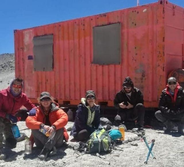 Ismael Valderas Flores, Rutchen Ploch, Charlie Muñoz, Rodrigo Vásquez y Francisco Pérez en Refugio Tejos