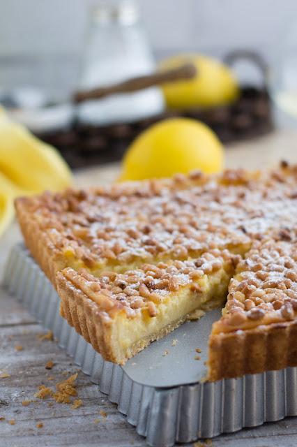 Torta della nonna à la crème pâtissière au citron et pignons de pin