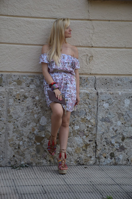 abito in pizzo sangallo come abbinare un abito in pizzo sangallo sangallo lace dress abito pizzo sangallo stampato outfit estivi blogger outfit agosto 2016  summer outfits mariafelicia magno fashion blogger colorblock by felym fashion blog italiani fashion blogger italiane blogger italiane di moda blogger italiane august outfit blogger style  web influencer italiane