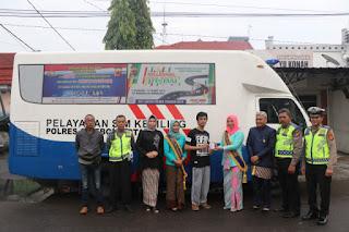 Semangat kartini Ada Di Pelayanan SIM Polres Cirebon Kota Di area CFD Kota Cirebon