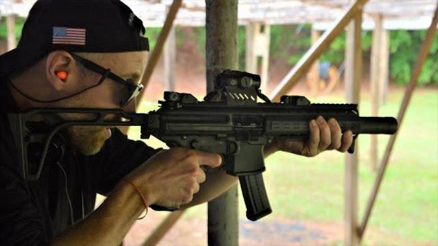 Senador de EEUU pretende obligar a armarse a todos mayores de edad