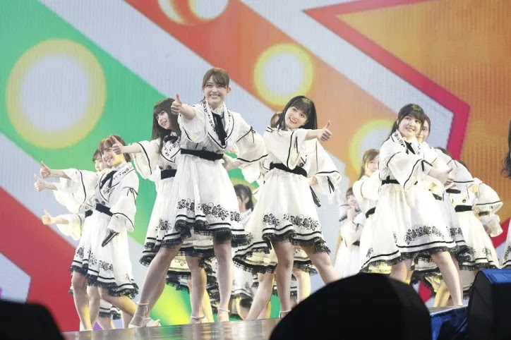 Nogizaka46 bawakan 5 lagu dan single mereka berturut-turut