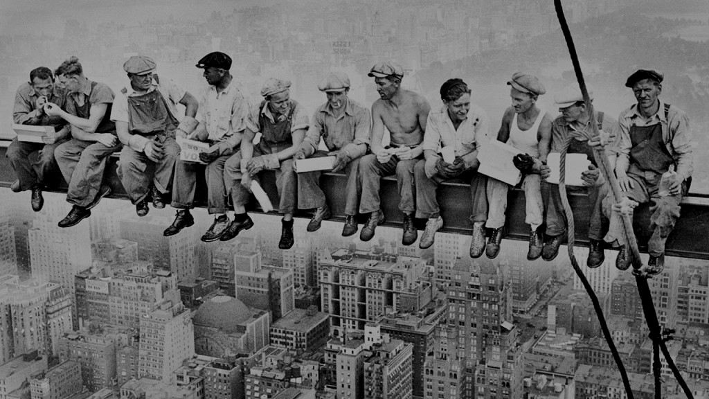 勞動法令, Lunch atop a Skyscraper 來源:Charles Ebbets, 1932