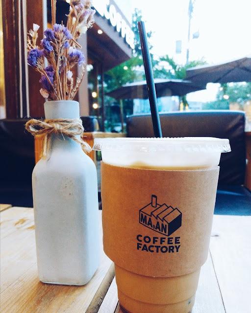 Cafe Macchiato