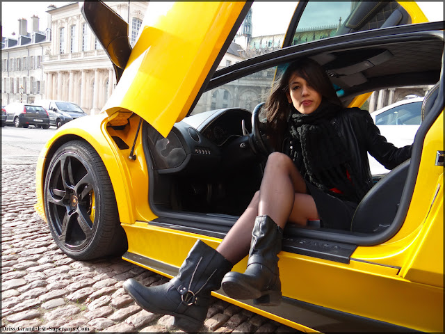 Beautiful Lamborghini Girl Supercar