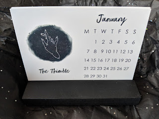 desk calendar, signs of the sewdiac designed by Samantha Claridge