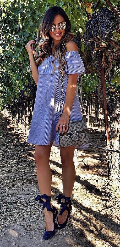 trebdy summer outfit idea: dress + bag + heels
