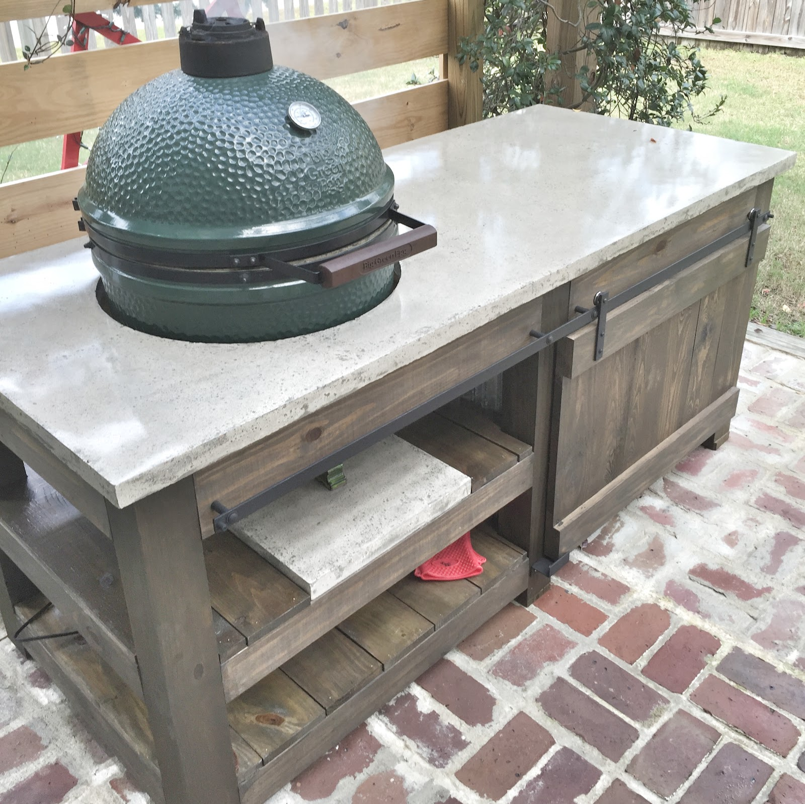 The Lowcountry Lady Big Green Egg Concrete Top Table Plans