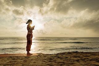 सूर्य नमस्कार क्यो करे व स्थियॉ /surya namaskar yoga benefits