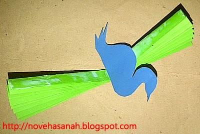 Kerajinan Tangan Anak SD Burung  Merak