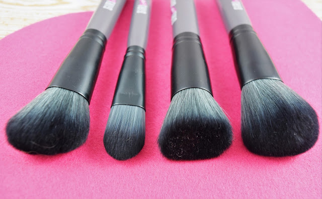 Girl Meets Brush Makeup Brushes