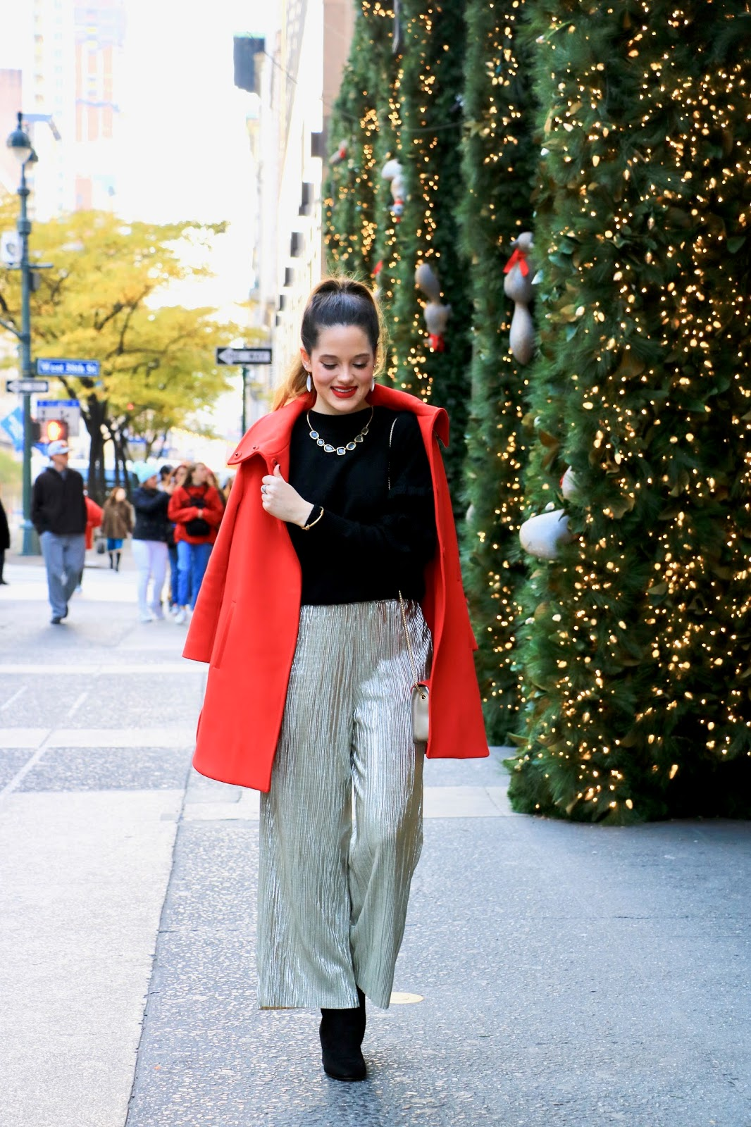 Nyc fashion blogger Kathleen Harper wearing a holiday outfit