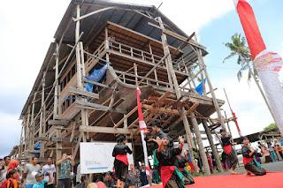 ritual peluncuran pinisi La Hila di Tanah Beru festival pinisi bulukumba sulsel makassar guide