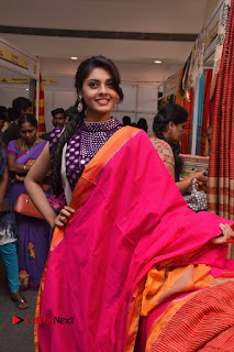Telugu Actress Veena Inaugurates Silk India Expo  0013.jpg