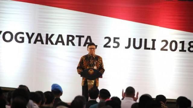 Mendagri Kampanyekan Jokowi 2 Periode, Fadli Zon: Kartu Merah Itu