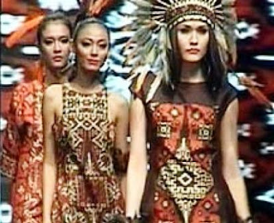 Fashion modern dengan nuansa etnis