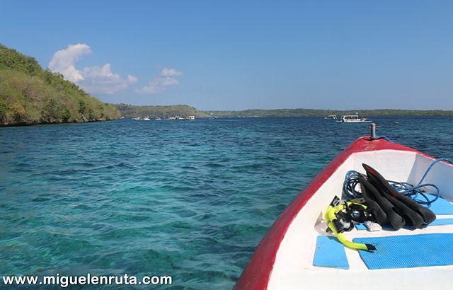 Barco-Bahía-Nusa-Penida