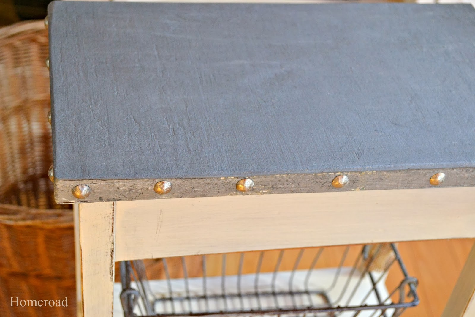 How to Paint a Galvanized Table Top Technique. Homeroad.net
