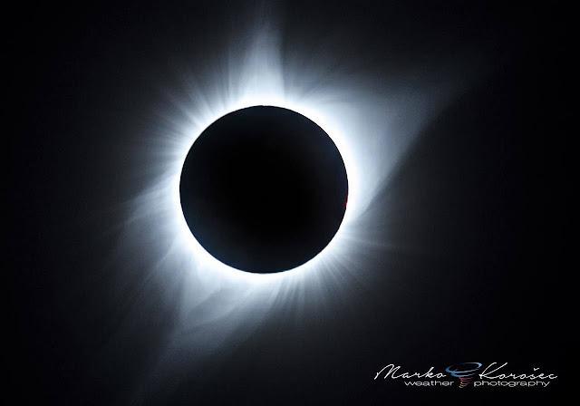 Látványos fotók a teljes napfogyatkozásról