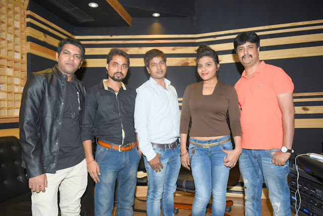 3. Rohit, Mayank Tiwari(Producer & Lyricists), Amit Raj(Executive Producer), Ritu Pathak (Singer), with Abhijeet Aroon (Music Director) during song recording CRAZY BALAM